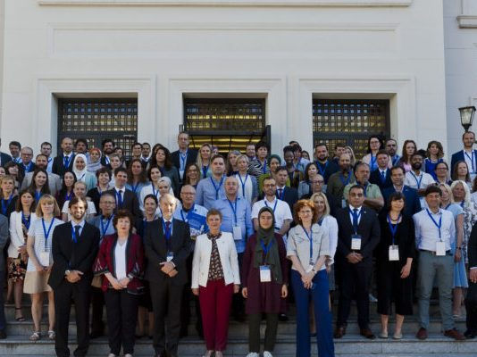 Group-photo-Spain-800x400